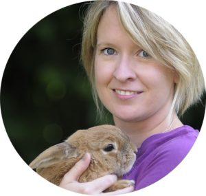 Sonja Tschöpe mit Kaninchen Zoora