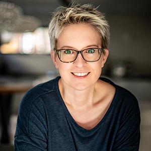 Sonja Tschöpe - TIERHEILPRAKTIKERIN | TIERERNÄHRUNGSBERATERIN